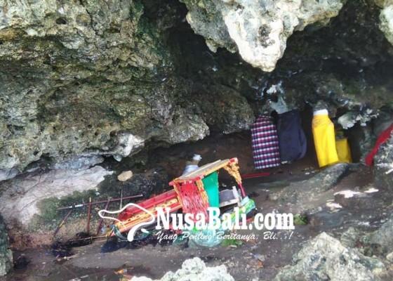 Nusabali.com - pura-konco-hancur-dihantam-badai-ombak
