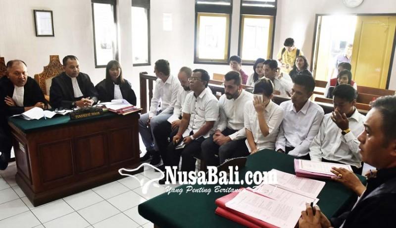 www.nusabali.com-enam-terdakwa-penculik-bule-bulgaria-disidang