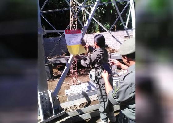 Nusabali.com - satpol-pp-segel-pembangunan-tower