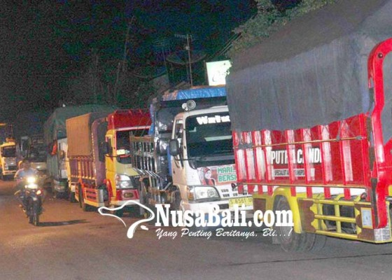 Nusabali.com - dermaga-rusak-antrean-panjang