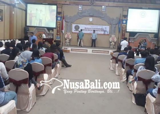 Nusabali.com - 97-lulusan-fh-unud-diyudisium-hari-ini