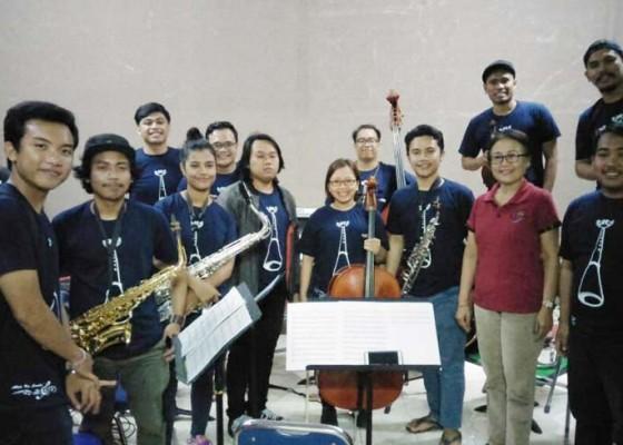 Nusabali.com - padukan-musik-yang-hampir-punah-dengan-musik-universal