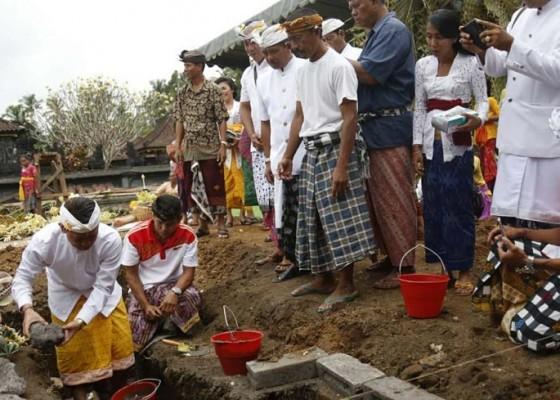 Nusabali.com - membangun-desa-perkuat-semangat-gotong-royong