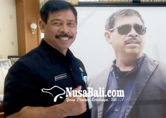 Nusabali.com - rochineng-pilih-kendaraan-pdip-untuk-perjuangkan-wong-cilik