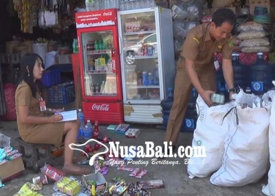 Nusabali.com - 4-karung-mamin-kadaluwarsa-diamankan
