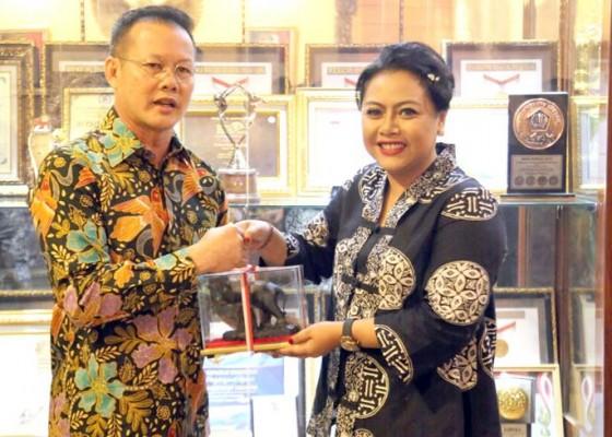 Nusabali.com - kabupaten-lahat-belajar-bumdes-dan-program-inovatif-tabanan