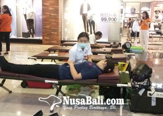 Nusabali.com - songsong-hari-kemerdekaan-plaza-renon-galang-aksi-donor-darah