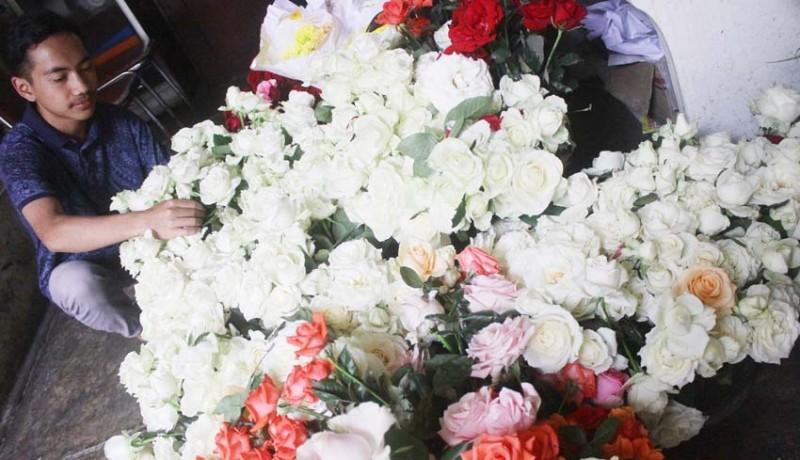www.nusabali.com-permintaan-bunga-potong