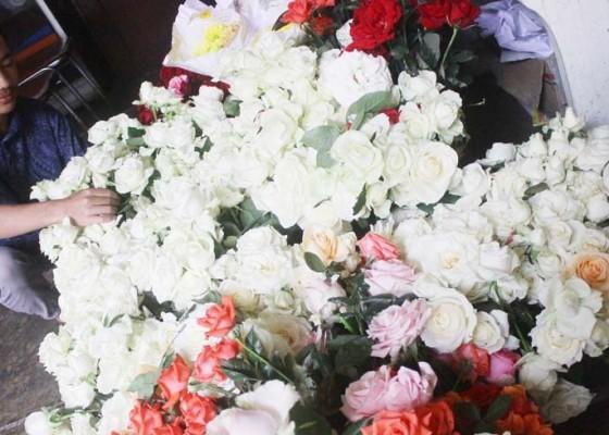 Nusabali.com - permintaan-bunga-potong