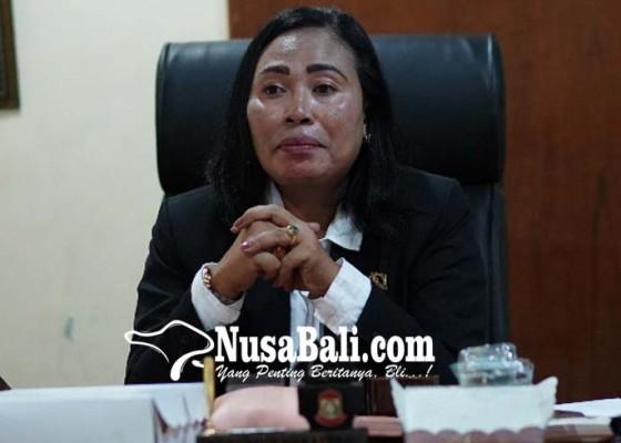 Nusabali.com - dayu-gayatri-nyaleg-lewat-nasdem