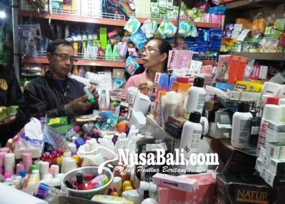 Nusabali.com - disperindag-temukan-kosmetik-tanpa-tanggal-kedaluarsa