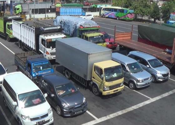 Nusabali.com - cuaca-buruk-penyeberangan-buka-tutup