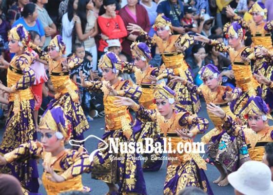 Nusabali.com - tari-teruna-jaya-dan-tradisi-nyakan-diwang-masuk-nominasi