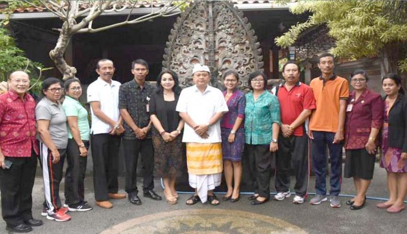 www.nusabali.com-dua-guru-denpasar-melenggang-ke-nasional