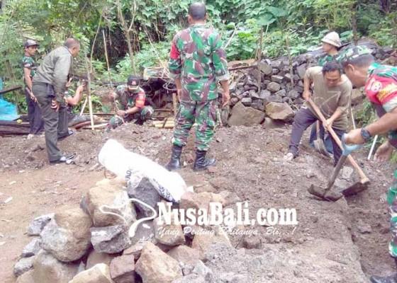 Nusabali.com - veteran-dibantu-bedah-rumah