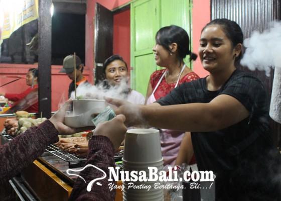 Nusabali.com - dragon-breath-jajanan-zaman-now-yang-jadi-primadona-di-bulfest-2018