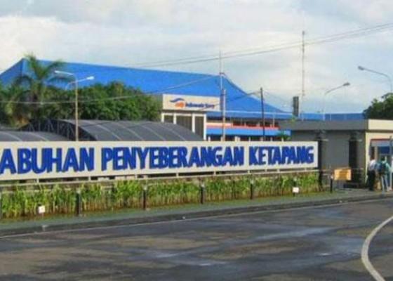 Nusabali.com - puluhan-penumpang-kapal-tertahan-di-banyuwangi