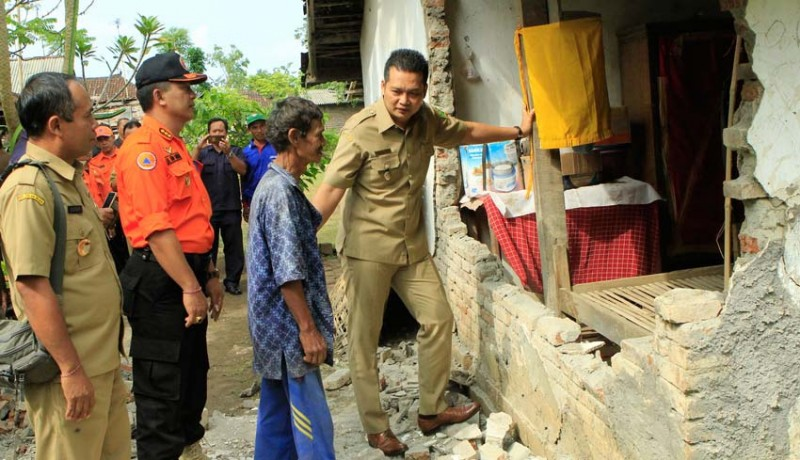 www.nusabali.com-korban-gempa-di-jembrana-segera-dibantu-bedah-rumah