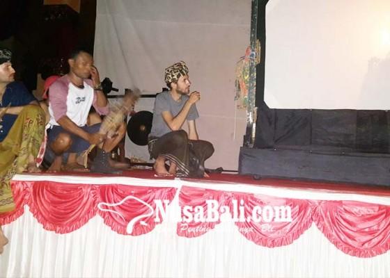 Nusabali.com - wayang-kreatif-hadirkan-kolaborasi-dalang-lokal-dan-as