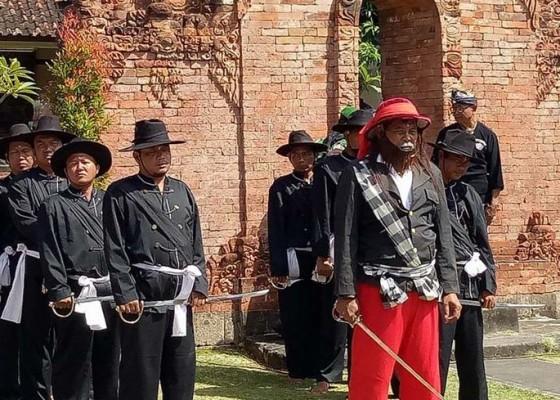Nusabali.com - termasuk-ritual-ngerebong-tari-baris-wayang-tari-baris-china