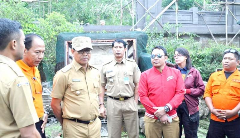 www.nusabali.com-wabup-suiasa-kunjungi-korban-terdampak-gempa-di-petang