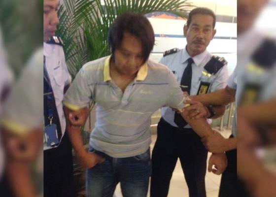 Nusabali.com - bawa-5-gram-ganja-calon-penumpang-garuda-ditangkap