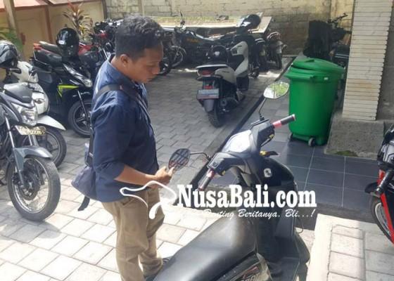 Nusabali.com - dua-pria-tebas-satpam-sekolah