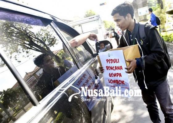 Nusabali.com - cari-sumbangan-mahasiswa-ditegur-satpol-pp