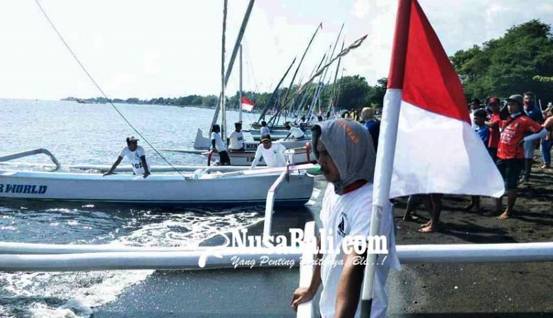 www.nusabali.com-70-perahu-layar-meriahkan-hut-ri