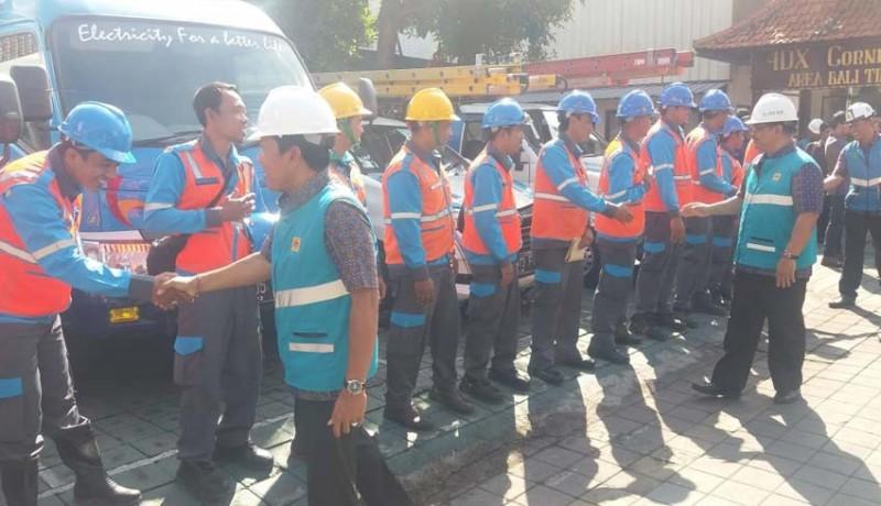 www.nusabali.com-pulihkan-listrik-di-lombok-pln-tambah-relawan