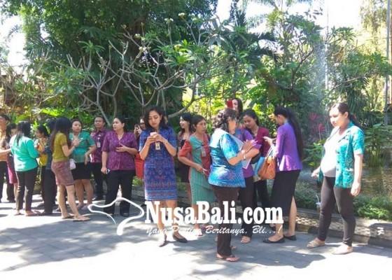 Nusabali.com - gempa-pegawai-pemkot-panik