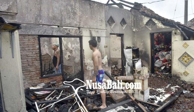 www.nusabali.com-diduga-korsleting-listrik-tiga-kamar-ludes-terbakar