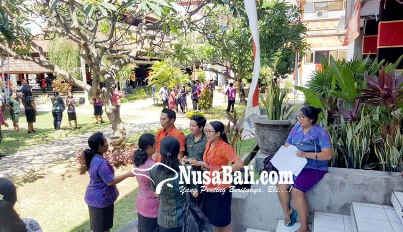 www.nusabali.com-pegawai-pemkab-berhamburan-digoyang-gempa