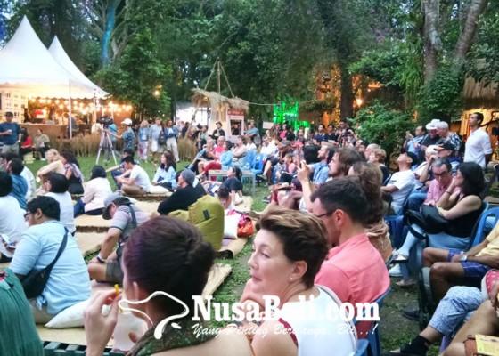 Nusabali.com - melewati-hari-pertama-ubud-village-jazz-festival-2018-sedot-ribuan-pengunjung