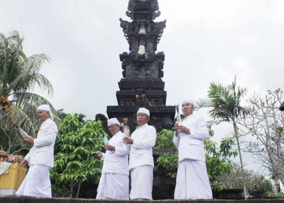Nusabali.com - sebelum-piodalan-harus-digelar-upacara-guru-piduka