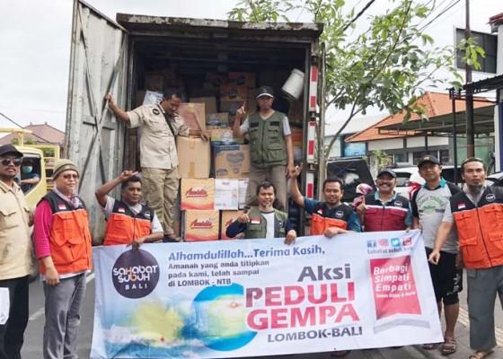 Nusabali.com - warga-salurkan-bantuan-korban-gempa-lombok