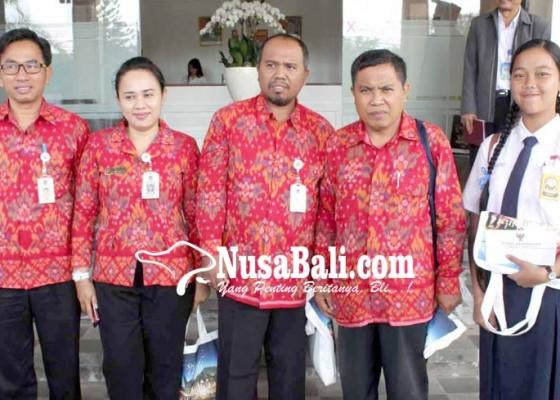 Nusabali.com - 4-guru-dan-1-siswa-janji-bawa-prestasi-nasional