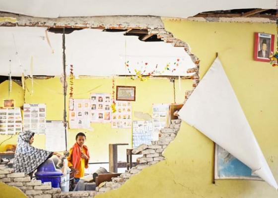 Nusabali.com - kpai-dorong-sekolah-darurat-di-lombok
