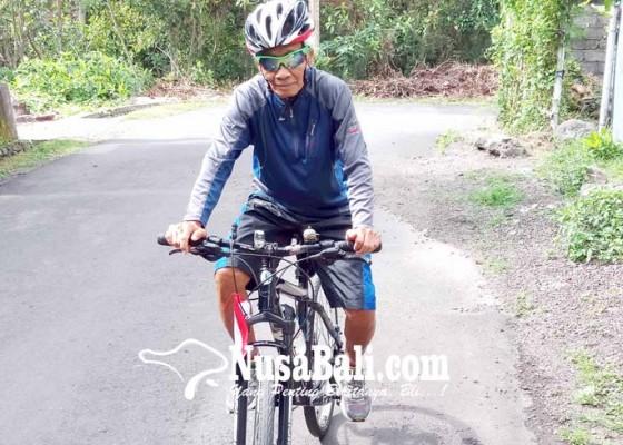 Nusabali.com - kakek-79-tahun-rencana-bersepeda-keliling-bali