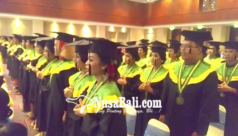 www.nusabali.com-akper-kesdam-ixudayana-wisuda-124-mahasiswa