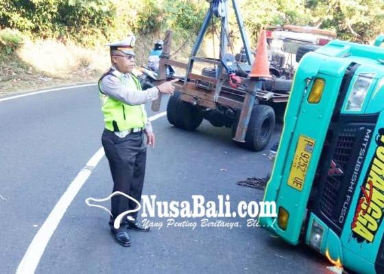Nusabali.com - hindari-tabrakan-truk-teguling-di-gitgit