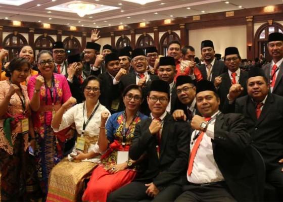 Nusabali.com - 33-anggota-panwaslu-9-kabupatenkota-se-bali-dilantik-bersama-di-jakarta