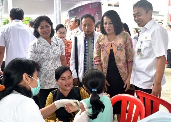 Nusabali.com - imunisasi-mr-di-badung-telah-mencapai-50-persen