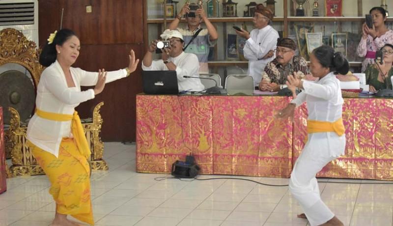www.nusabali.com-tarian-rejang-renteng-tak-pada-tempatnya