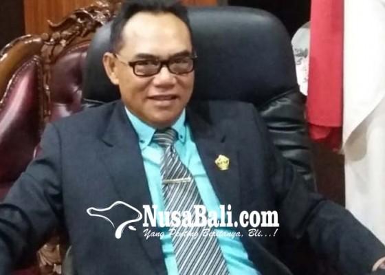 Nusabali.com - ketua-dprd-bali-cari-jalan-tengah-penyelesaian-bansos