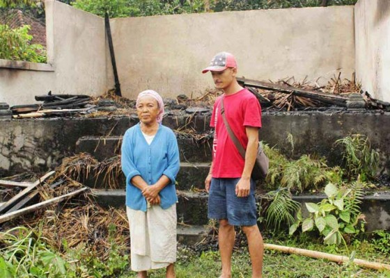 Nusabali.com - bale-dangin-dihuni-odgj-terbakar
