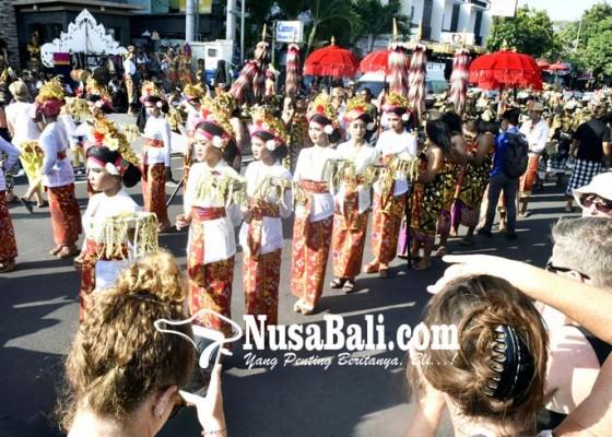 Nusabali.com - parade-budaya-pungkasi-sanur-village-festival-2018