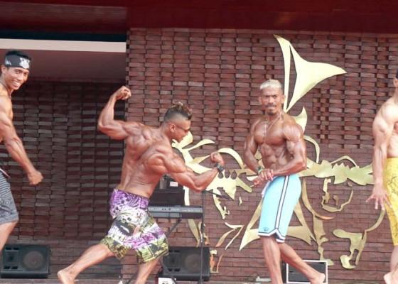 Nusabali.com - 56-pria-kekar-beradu-keindahan-otot