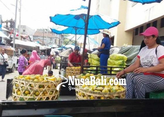Nusabali.com - retribusi-pasar-di-klungkung-naik