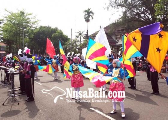 Nusabali.com - 10-sekolah-ramaikan-lomba-drumband